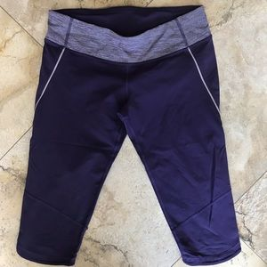 Lululemon purple crop Capri athleisure leggings 6